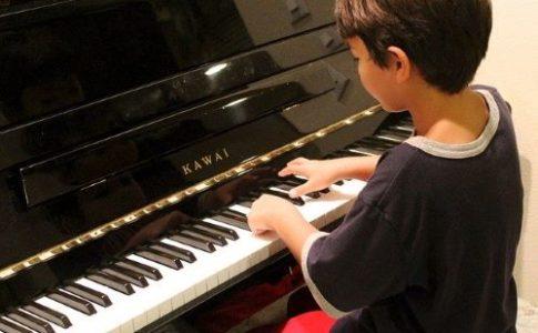 重岡大毅 ピアノ 練習